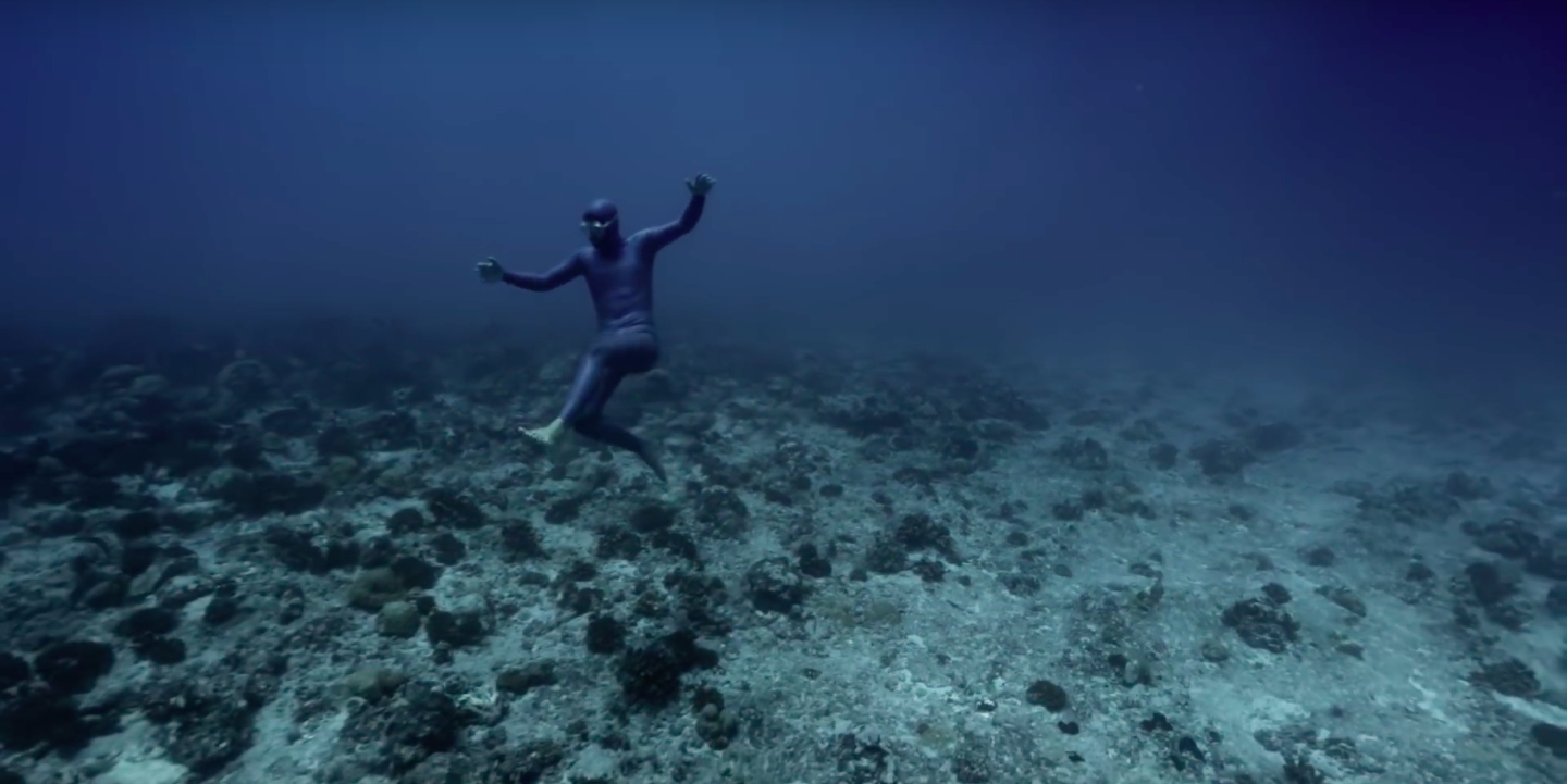 OCEAN GRAVITY - Guillaume Ne?ry:: Julie Gautier - Dive india